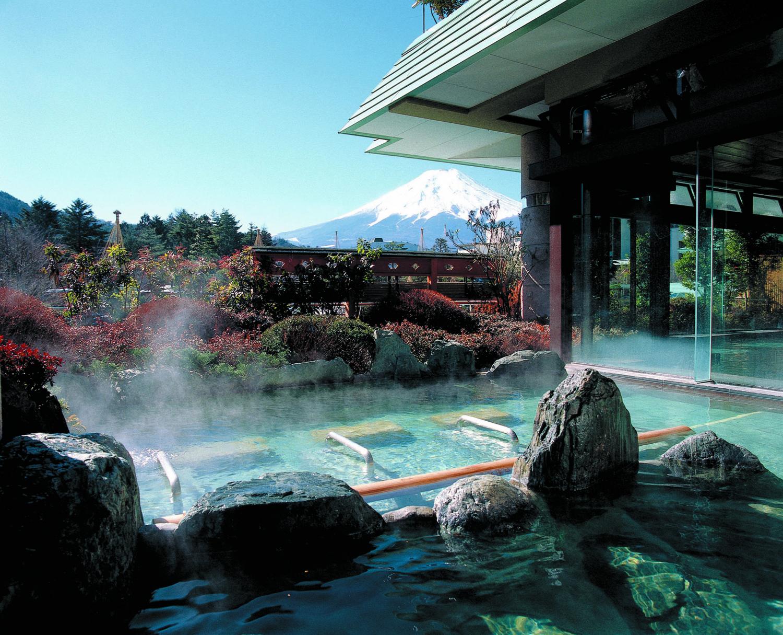 瞬間で表情を変える富士山ウェディングレポート