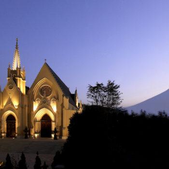 夕暮れ時の美しい大聖堂